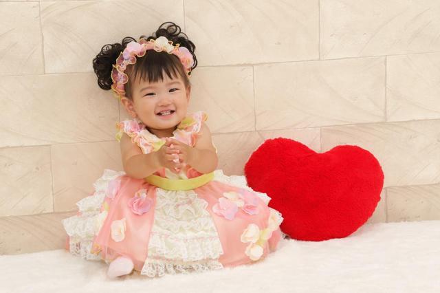 あゆ赤ちゃん写真 浜崎あゆみ 出産前に恋人と「ふっくらマタニティ姿」で白昼デート
